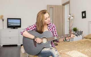 Со скольки и до скольки можно играть на гитаре в квартире: закон РФ 2020 в будни и выходные