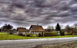 На каком расстоянии от дороги можно строить дом: норматив СНиП для жилых строений