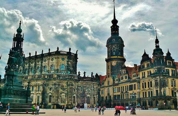 Расстояние от Праги до Дрездена: сколько км и времени ехать на машине или автобусе