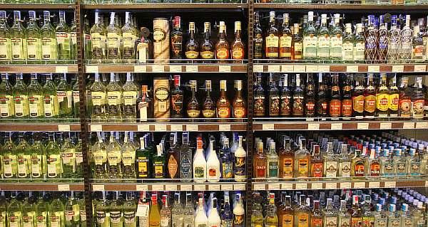 До скольки можно покупать алкоголь