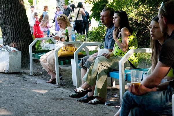 Скамейки на улице