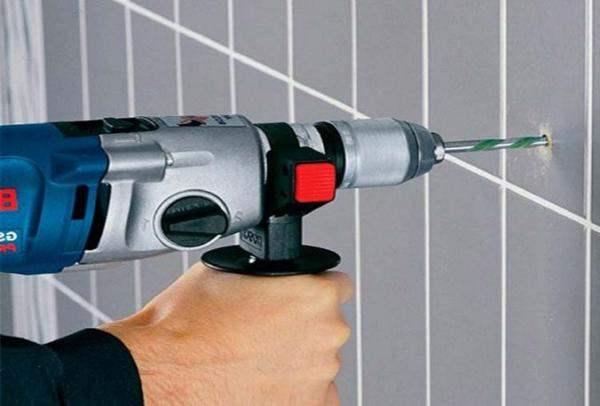 Сверление стены на кухне